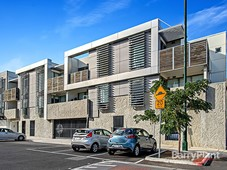 4/2 Cedar Street Caulfield South