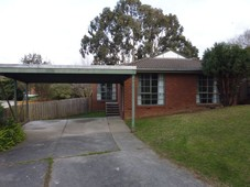 2 Gumbow Close Bayswater North