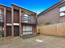 9/31 Warrs Road Maribyrnong