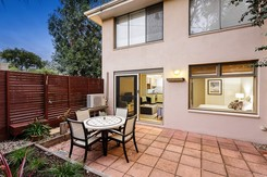 8/30 Strettle Street Thornbury