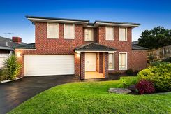 12 Norfolk Circuit Doncaster