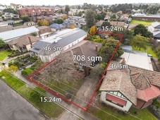 8 Buckley Street (off Lawson Street) Essendon