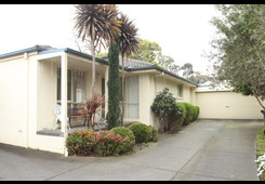 2/16 Bartlett Ave Croydon