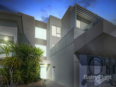 8/114-120 Patterson Road Bentleigh